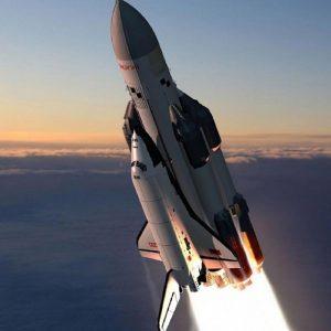 จรวดและยานอวกาศการเดินทางที่ทรงพลัง